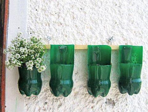 Come riciclare le bottiglie di plastica for Piccoli giardini fai da te