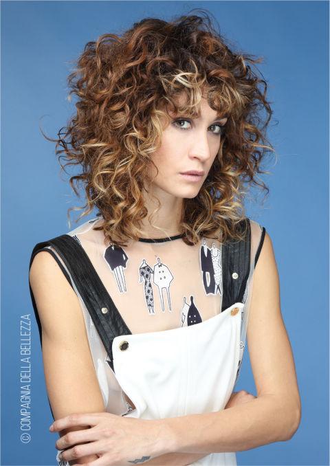 Famoso Tagli capelli medi: la parola d'ordine è libertà di movimento (e  MD41