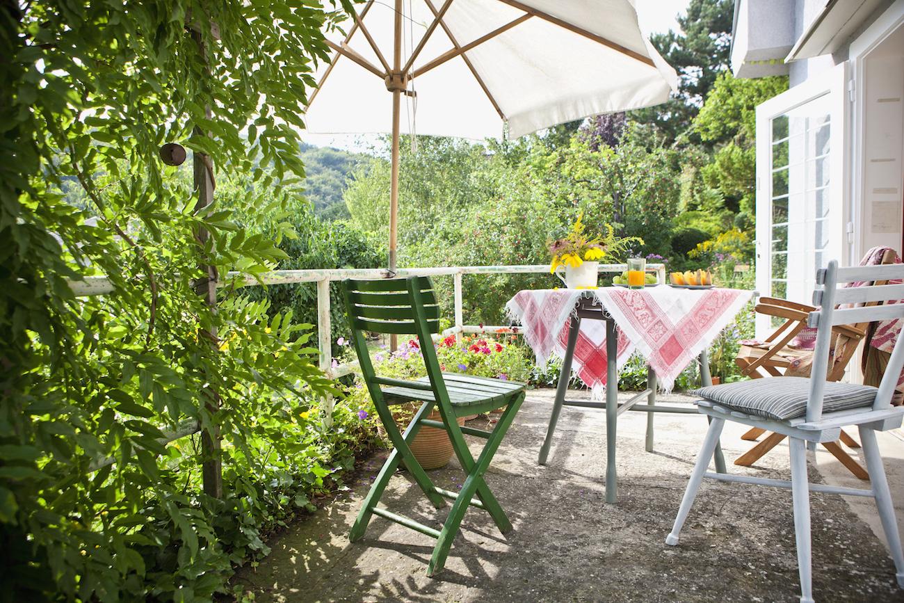 Come arredare una terrazza con 10 idee facili e veloci for Arredare un piccolo terrazzo