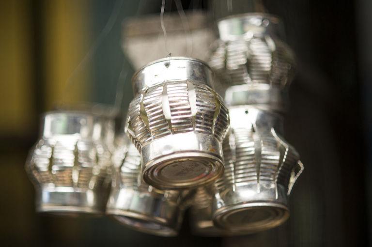 Lampada Barattolo Di Latta : Lampada con barattoli di latta lampada con barattoli di latta
