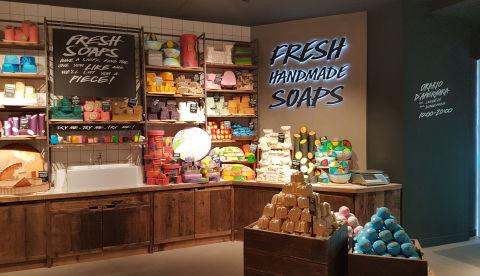 Lush apre a milano il pi grande store d 39 italia for Nuova apertura grande arredo bari