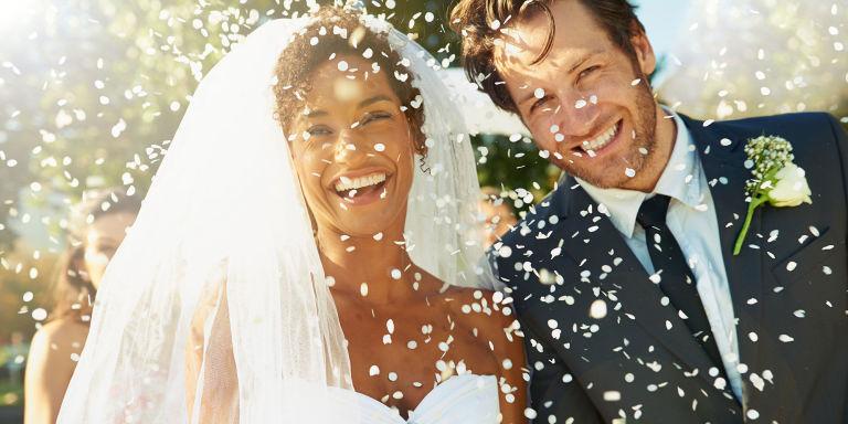Ben noto 10 auguri per il matrimonio con frasi divertenti e simpatiche IW28
