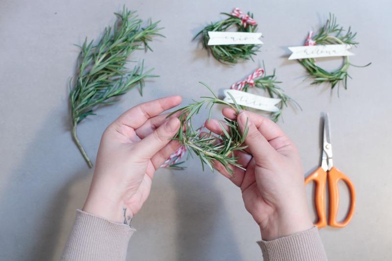 Come fare segnaposti jr21 regardsdefemmes - Addobbi natalizi per la tavola fai da te ...