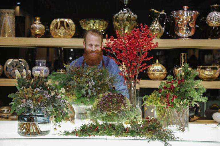 Super Composizioni floreali invernali con arbusti, fiori e bacche LS55