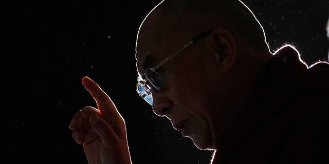 Estremamente 10 frasi celebri del Dalai Lama su vita e amore e felicità ZG52
