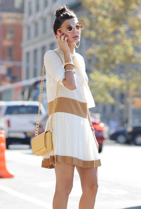 Come abbinare i gioielli ai vestiti 5 regole di stile for Stile minimal vestiti