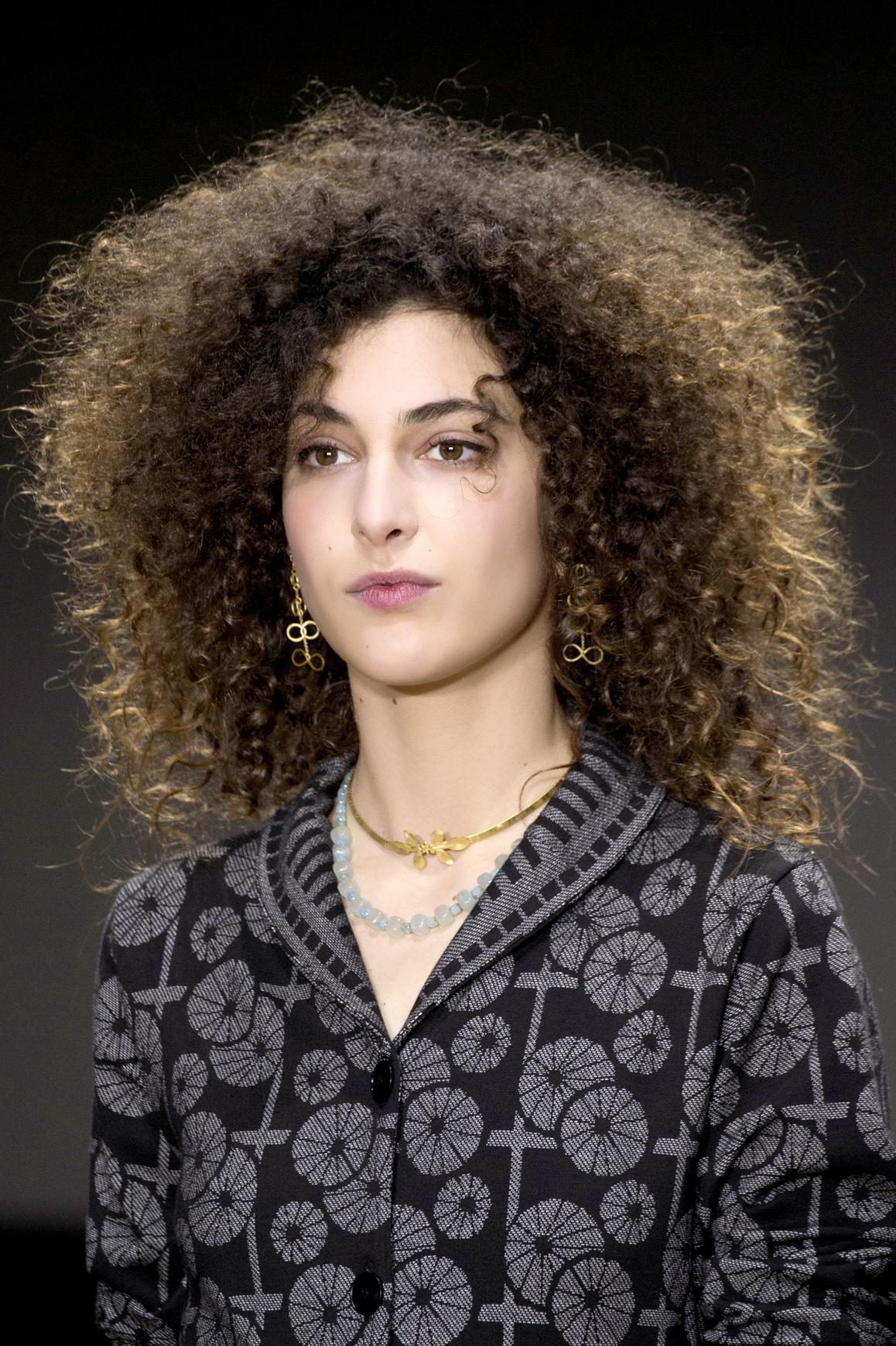 Capelli 2018: 32 tagli per capelli ricci per l'estate